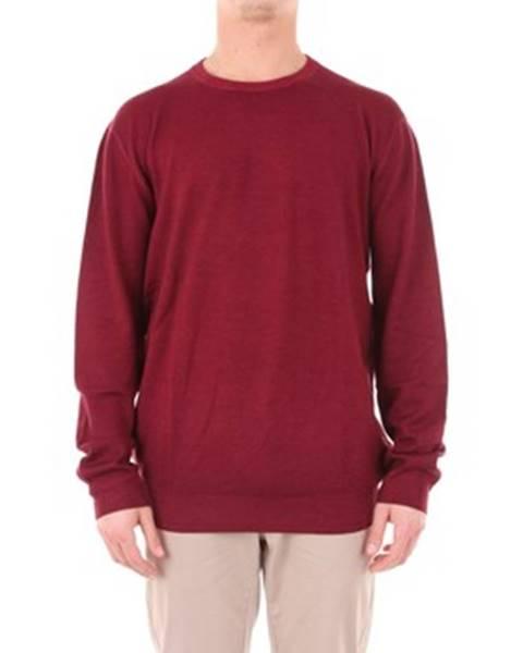 Červený sveter Cruciani