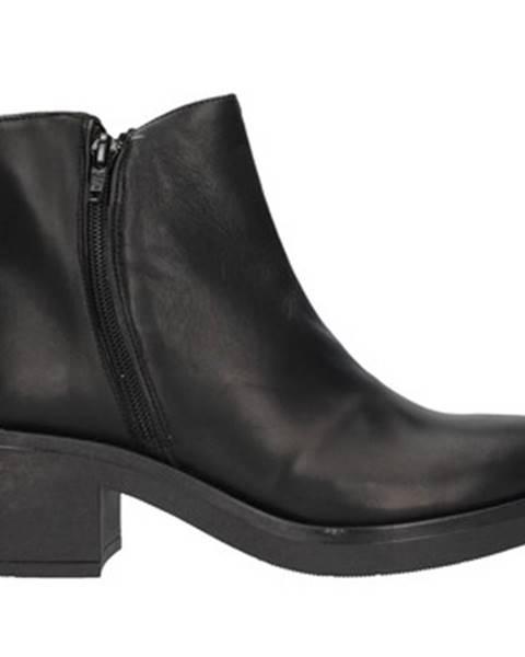 Čierne topánky Unica