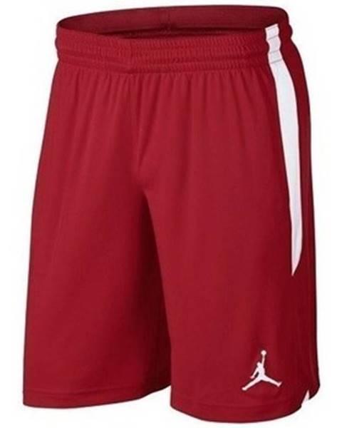 Červené kraťasy Nike