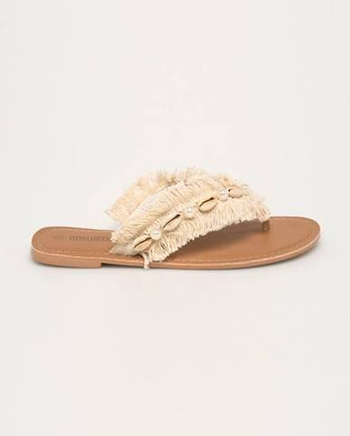 Sandále, žabky Answear